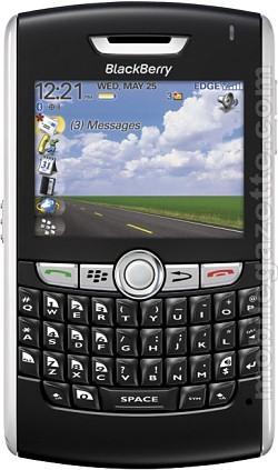 Nuovo Blackberry 8800, sottilissimo con ricca dotazione di funzioni pensate per i professionisti