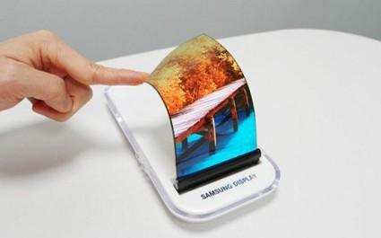 Samsung: rivoluzionario device con display pieghevole in produzione dal prossimo novembre e in vendita dal prossimo anno?